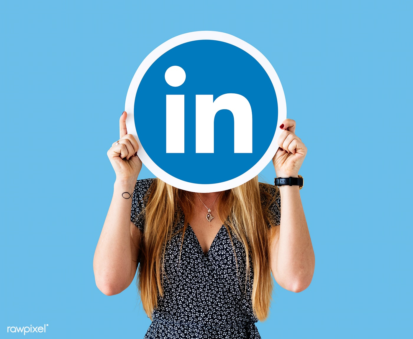LinkedIn Dynamic Ads Will Now Be Self-Serviced Via Campaign Manager